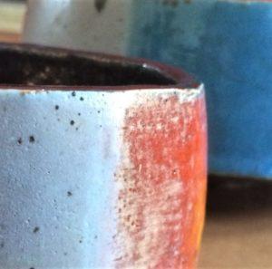 Céramique, bols en grès multicolore, détail